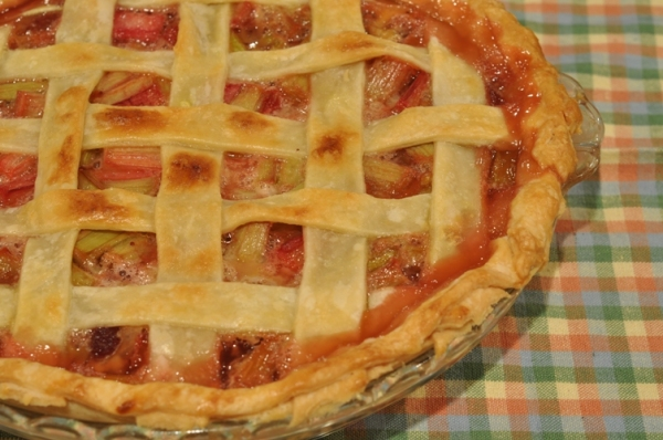 Rhubarb Strawberry Pie ~ Mmmm…Lip Smacking Good! | Putting Up With ...